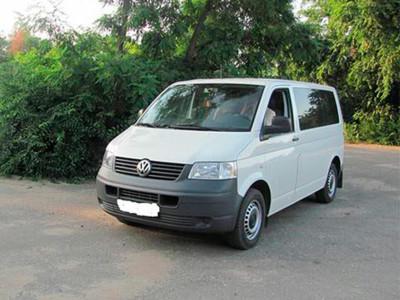 avtomobil-Volkswagen-t5